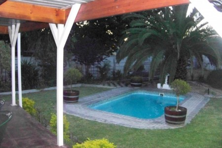 Jay's B&B is situated in an upmarket suburb of Bellville.