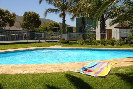 Amies Self Catering Apartmentsoffers quality open plan apartments in the Portofino gated complex in Panorama.