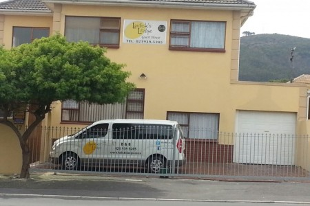 Ludicks Guest Lodge is located in Parow North in close proximity to Century City.
