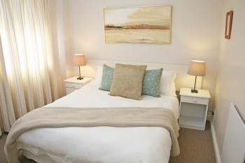 Taylor's Place is a no-frills accommodation option for people looking for a private self-catering flat.