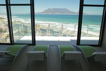 de'Vara Day Spa boasts fantastic views of Table Mountain.