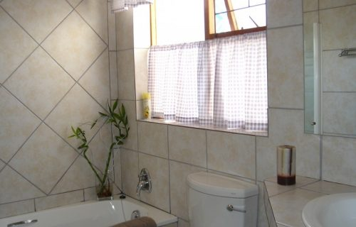 Amies Self Catering Apartments - Self Catering in Panorama - 1