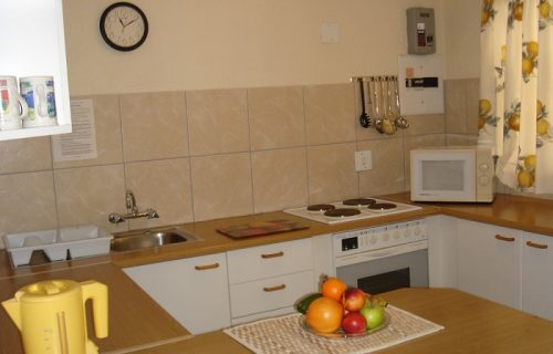 Amies Self Catering Apartments - Self Catering in Panorama - 4