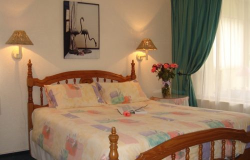 Amies Self Catering Apartments - Self Catering in Panorama - 9
