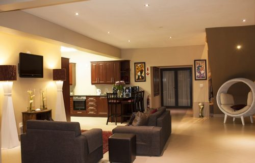 Balmoral Lodge - Conference and Self Catering in Bellville - 6