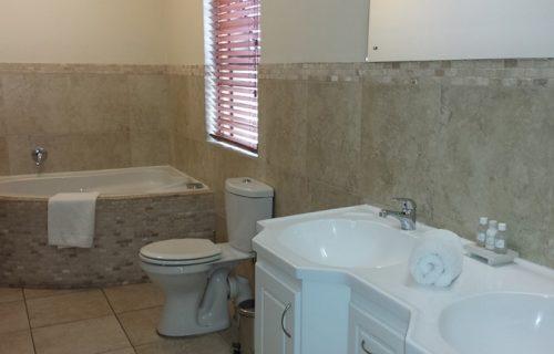 Dagbreek Self Catering Apartments - Self Catering in Durbanville - 7