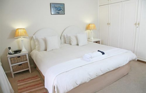 Highlands Lodge - Guest House and Conference in Durbanville - 10