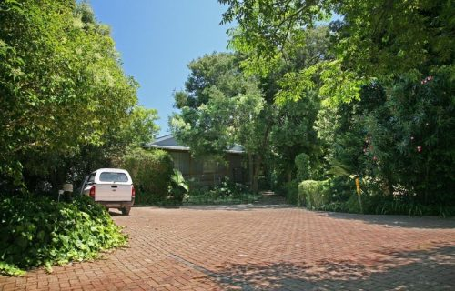 Highlands Lodge - Guest House and Conference in Durbanville - 2