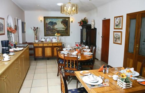 Highlands Lodge - Guest House and Conference in Durbanville - 3