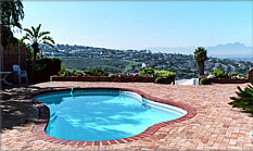 Hill Top Guest House - Guest House and Bed and Breakfast in Bellville