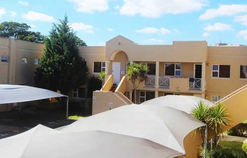 Smithland Guest Apartments - Self Catering in Parow - 5