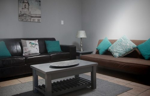 Smithland Guest Apartments - Self Catering in Parow - 7