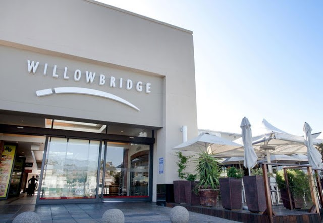 Open-air shopping at Willowbridge Lifestyle Shopping Centre